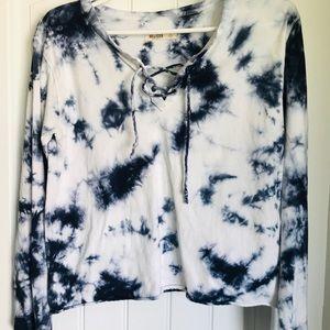 Cotton, long-sleeved navy blue tie-dye shirt